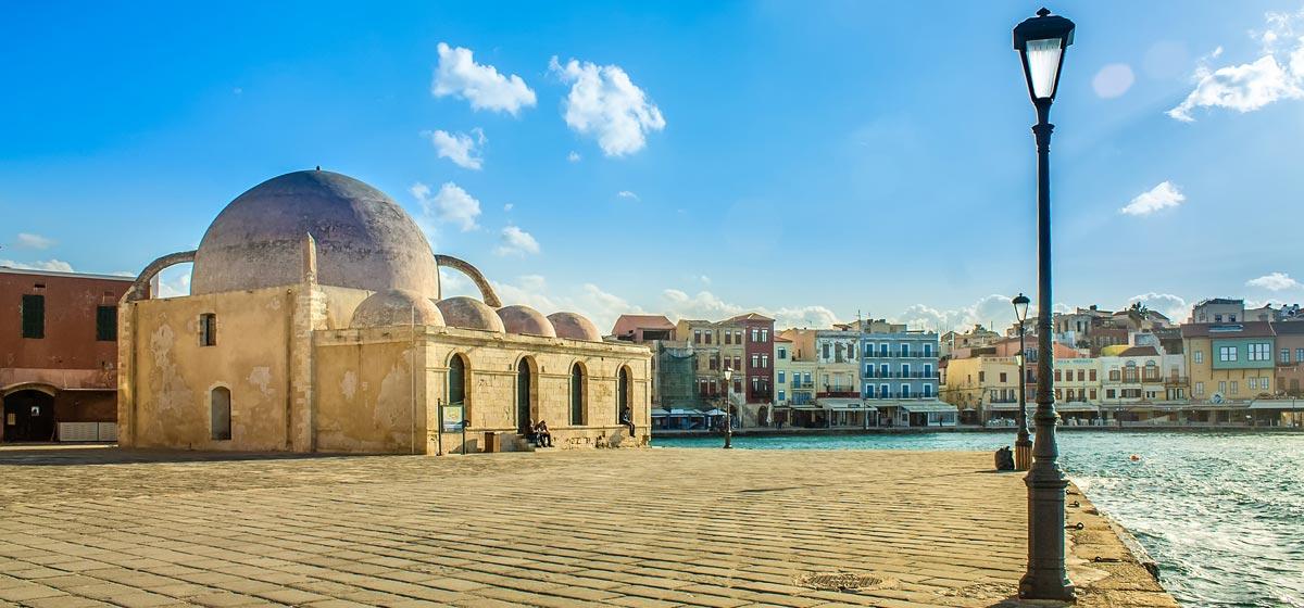 CRETE Crete, an island of rare beauty that fascinates every demanding traveler