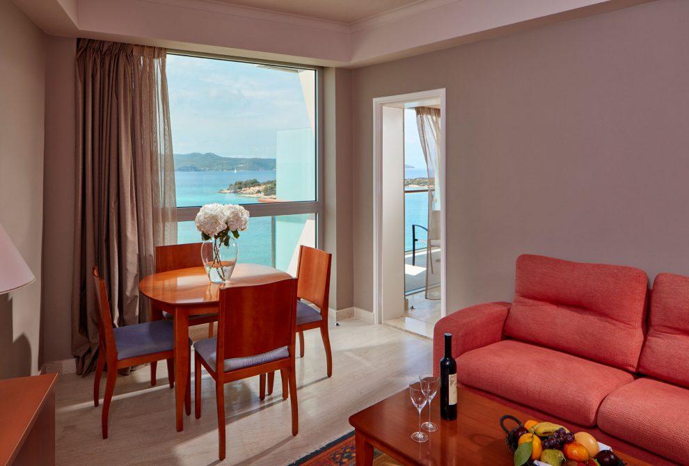 AKS Hinitsa Bay Hotel Junior suites