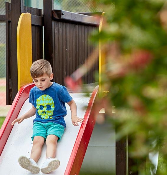 ΠΑΙΔΙΑ Στο Ξενοδοχείο θα βρείτε προσεκτικά σχεδιασμένες δραστηριότητες για τα παιδιά.