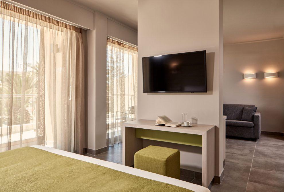 lti AKS Minoa Palace Hotel Standard triple room