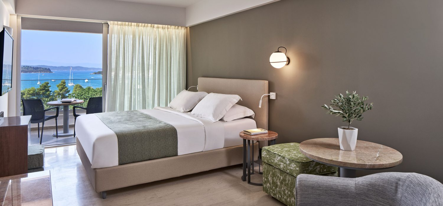 ROOMS The AKS Porto Heli Hotel, is built right on the sea, with direct access to the magnificent beach