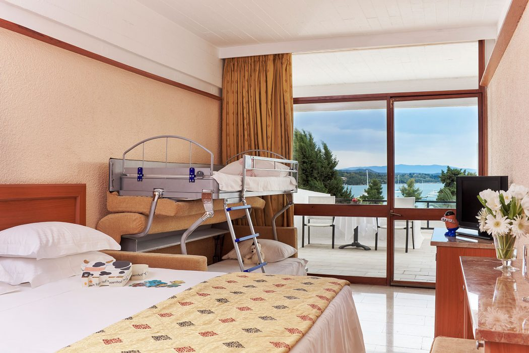 AKS Porto Heli Hotel Family standard room with bunk and sea view