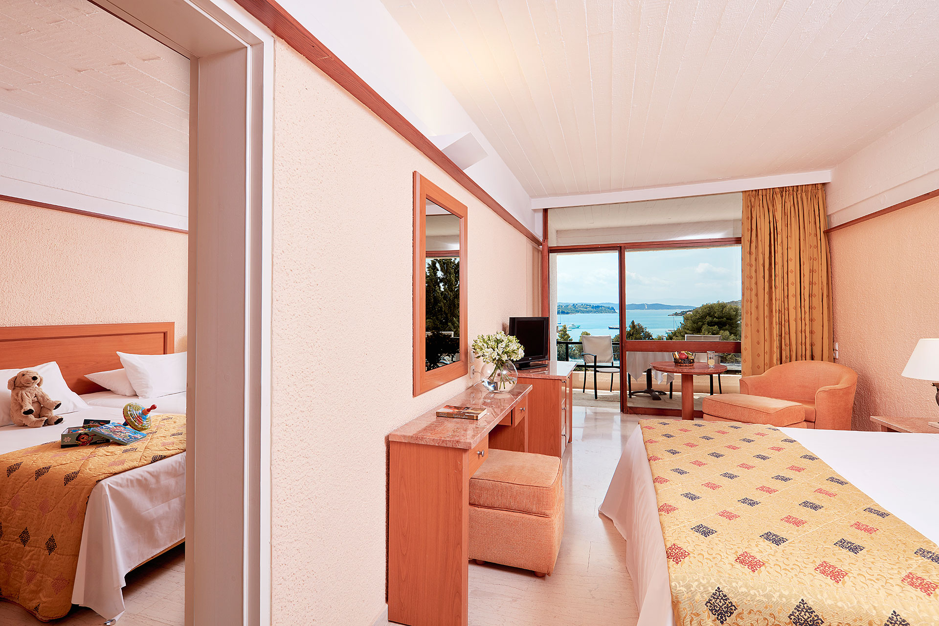 Standard Interconnecting Rooms With Sea View