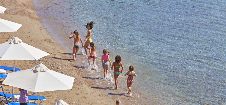 Γιατί τα παιδιά σας θα λατρέψουν το AKS Hinitsa Bay